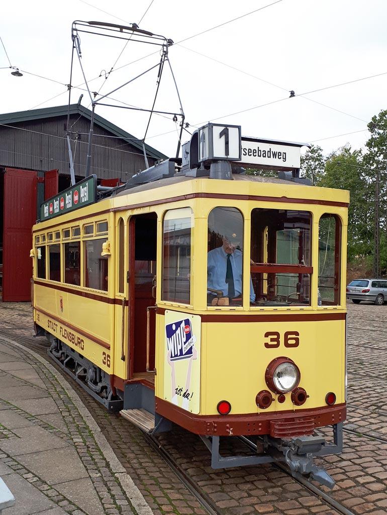 Dieses Bild hat ein leeres Alt-Attribut. Der Dateiname ist Flensburg-Tw-36-Bastian.jpg